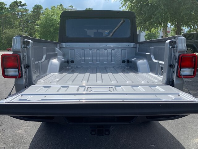 New 2020 Jeep Gladiator Sport 4x4, Tow, Soft Top