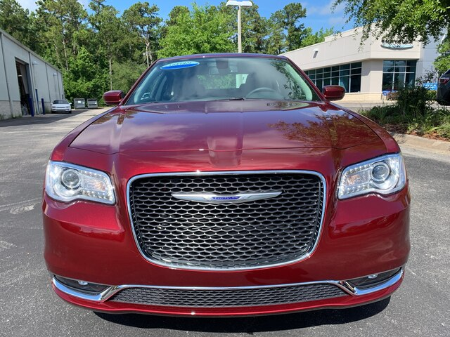New 2019 Chrysler 300 Touring Driver Convenience Package, V6