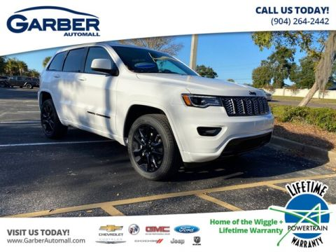 NEW 2020 JEEP GRAND CHEROKEE LAREDO 4X4, SUEDE SEATS, TRAILER TOW WITH NAVIGATION & 4WD