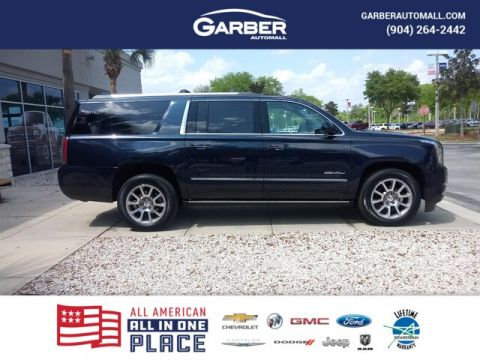 PRE-OWNED 2020 GMC YUKON XL DENALI WITH NAVIGATION & 4WD