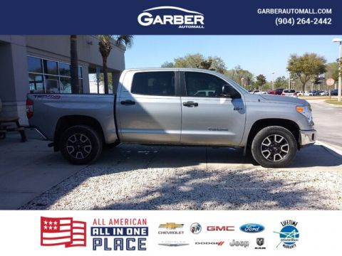PRE-OWNED 2017 TOYOTA TUNDRA SR5 5.7L V8 4WD