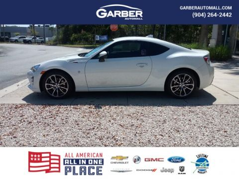 PRE-OWNED 2017 TOYOTA 86 BASE RWD COUPE