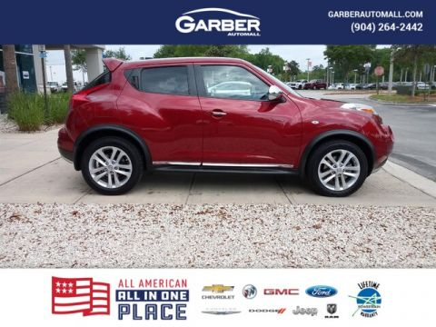 PRE-OWNED 2011 NISSAN JUKE SL WITH NAVIGATION